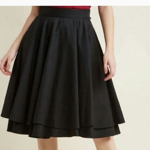 Mod cloth Alice Moon black tiered skirt size S